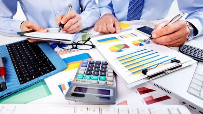 kế toán trưởng và kế toán tổng hơp đều là nghề của những con số